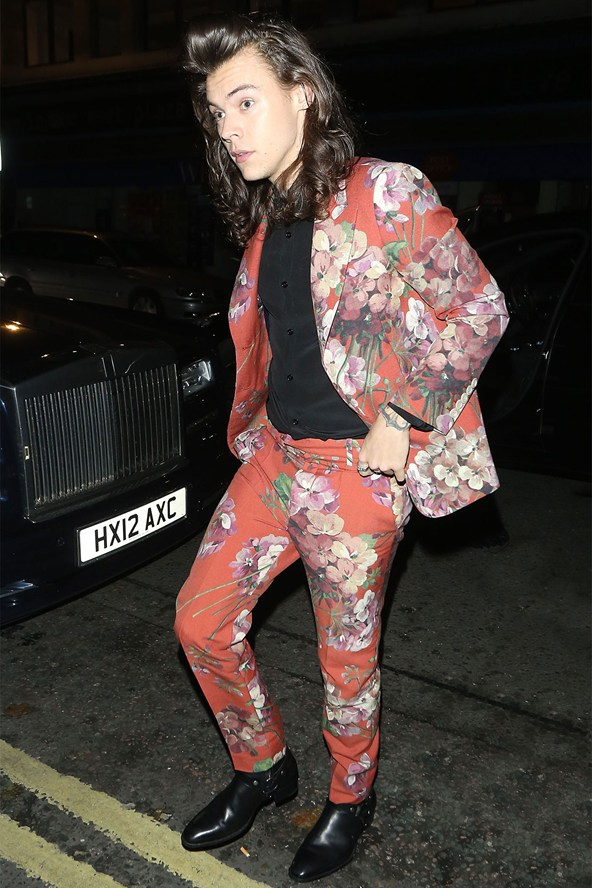 harry-styles_glamour_21dec15_spl_b