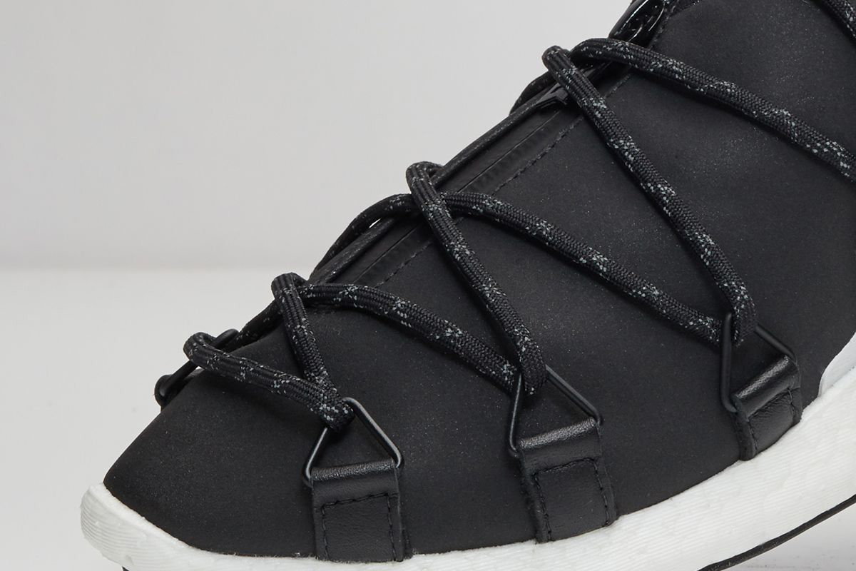 y-3-cross-lace-run-black-white-02