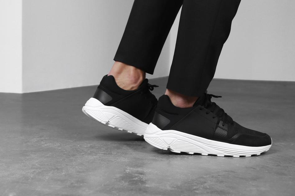 01-etq-amsterdam-sonic-runner-black-1