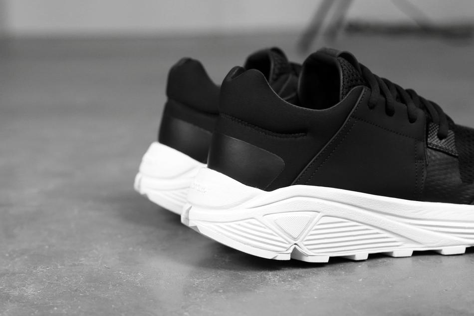 03-etq-amsterdam-sonic-runner-black-3
