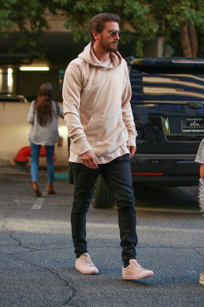 scott-disick-john-elliott-hoodie-common-projects-sneakers