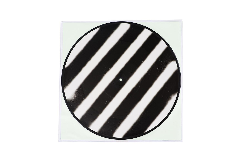 off-white-lil-silva-t-shirt-vinyl-04