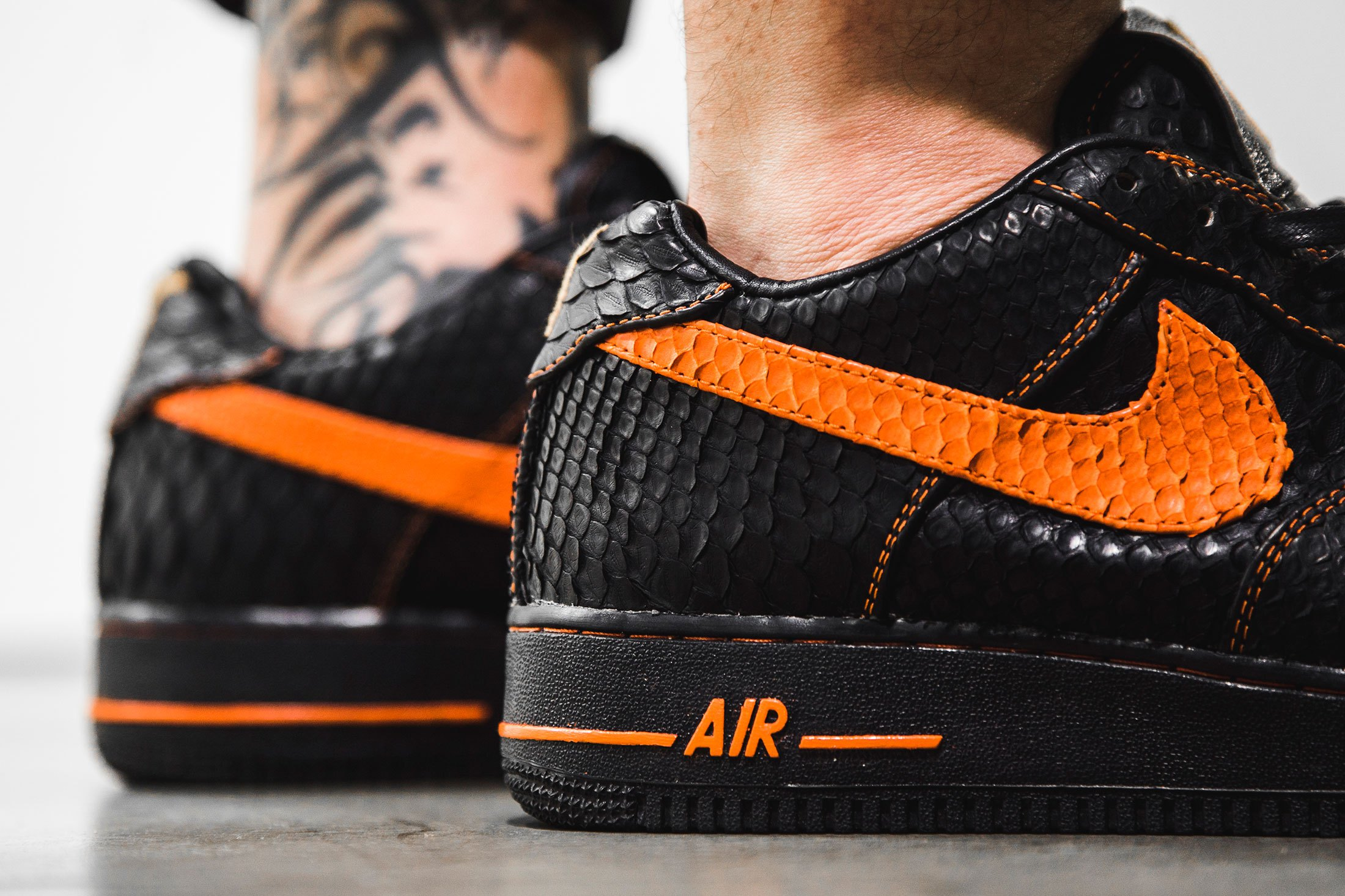 the-shoe-surgeon-vlone-nike-air-force-1-2
