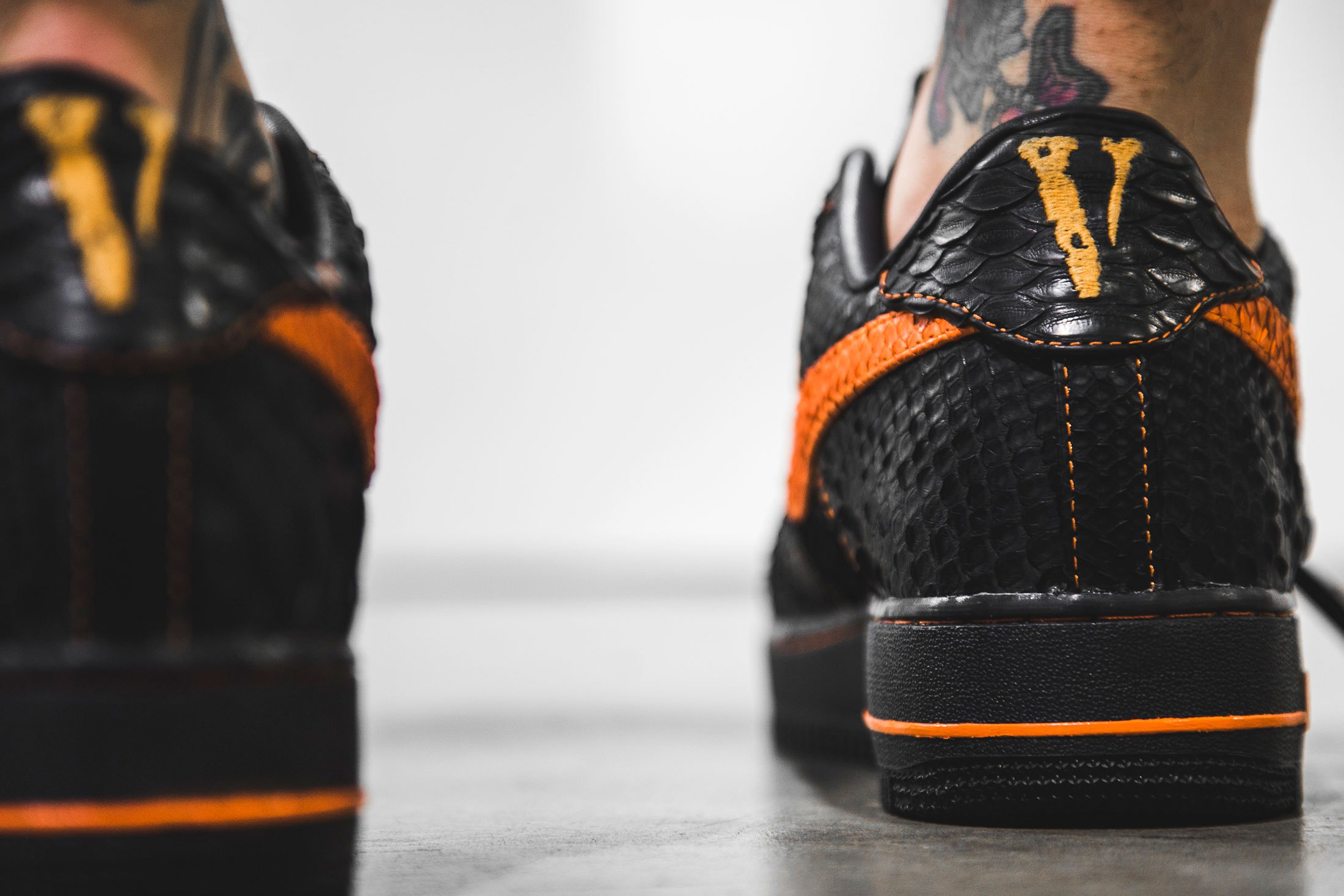 the-shoe-surgeon-vlone-nike-air-force-1-4