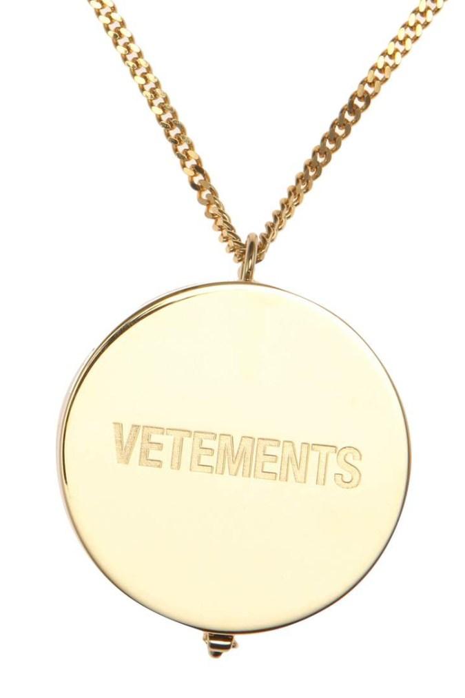 vetements-grinder-necklace-03