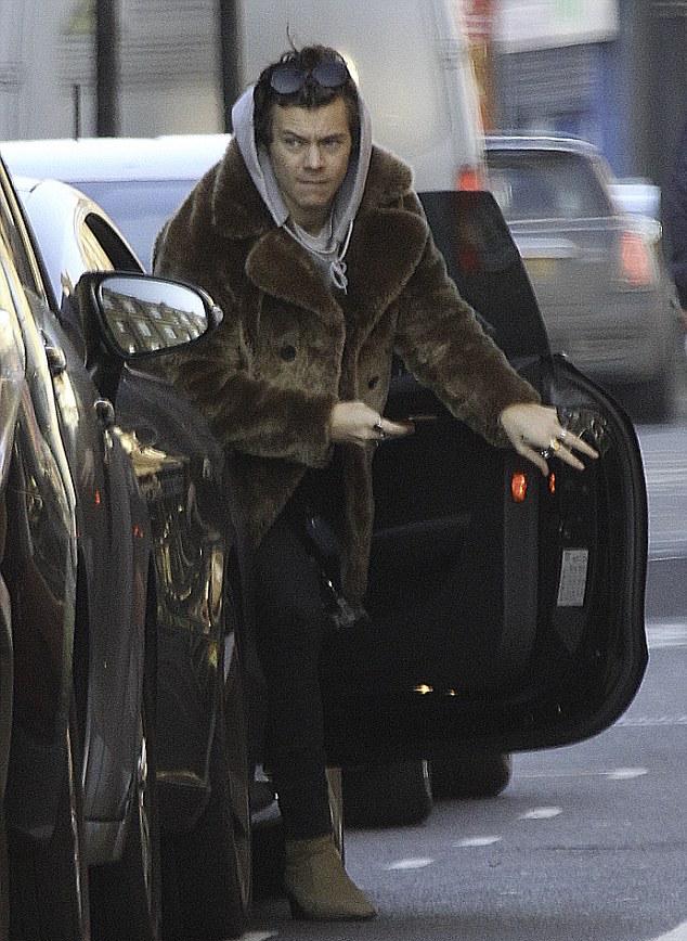 harry-styles-saint-laurent-fur-coat-2